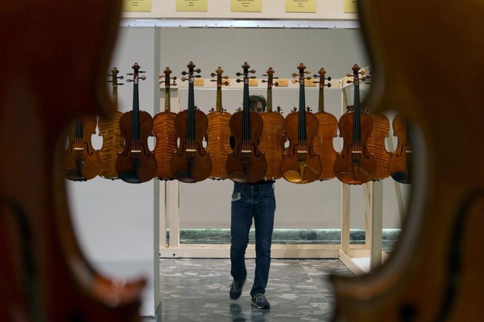 15-triennale-liuteria-2018-bianchini-lusiardi-espositori-violini