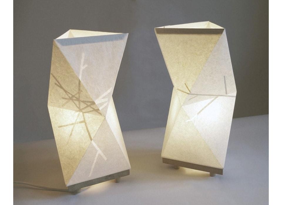 Bianchini-&-Lusiardi-associati-terrestre-re-lamps-TAVOLO-O1S-12-13-accese