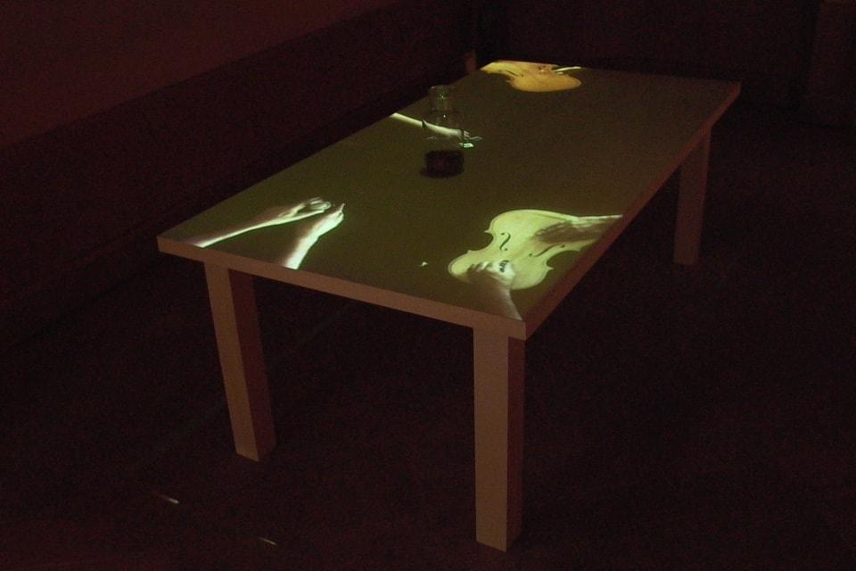 tavolo-del-liutaio-installazione-mutimediale-bianchini-lusiardi-associati-diag-alto-3