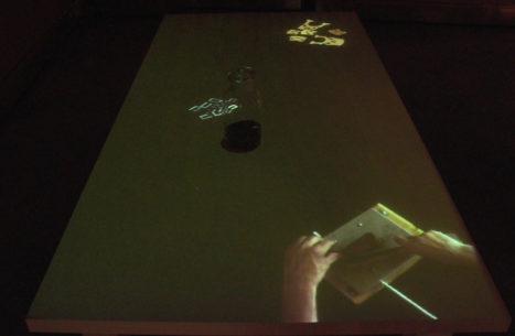 tavolo-del-liutaio-installazione-mutimediale-bianchini-lusiardi-associati-fronte