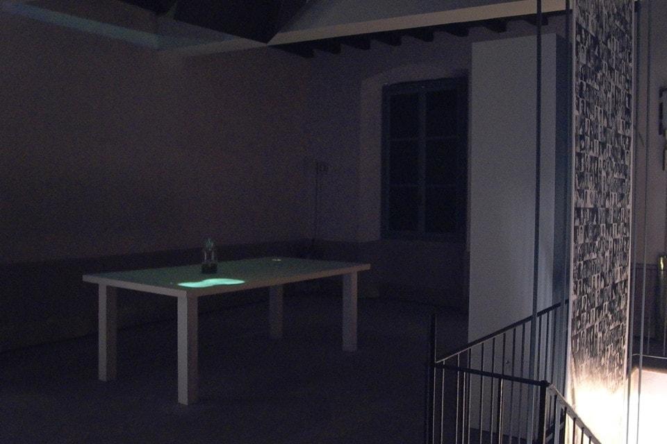 tavolo-del-liutaio-installazione-mutimediale-bianchini-lusiardi-associati-spazio